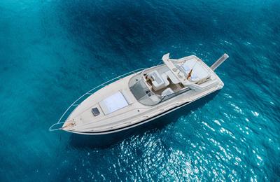Wilt u een boot op Ibiza huren?